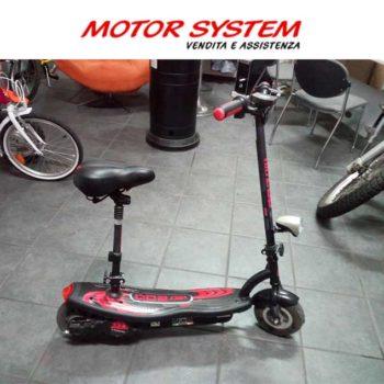 Monopattino elettrico Roadster 300 rosso